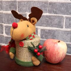 圣诞卡通玩偶平安果