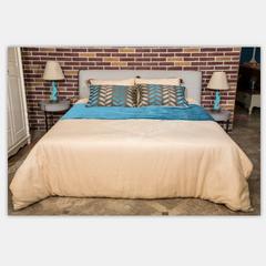 DK软包1.8床+床头柜*2