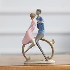 贝汉美 现代简约情侣创意装饰品摆设家居卧室内电视柜人物摆件26490A