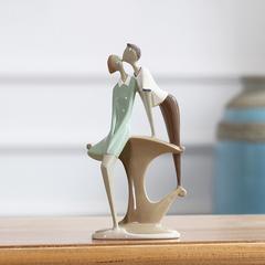 贝汉美 现代简约情侣创意装饰品摆设家居卧室内电视柜人物摆件26489A